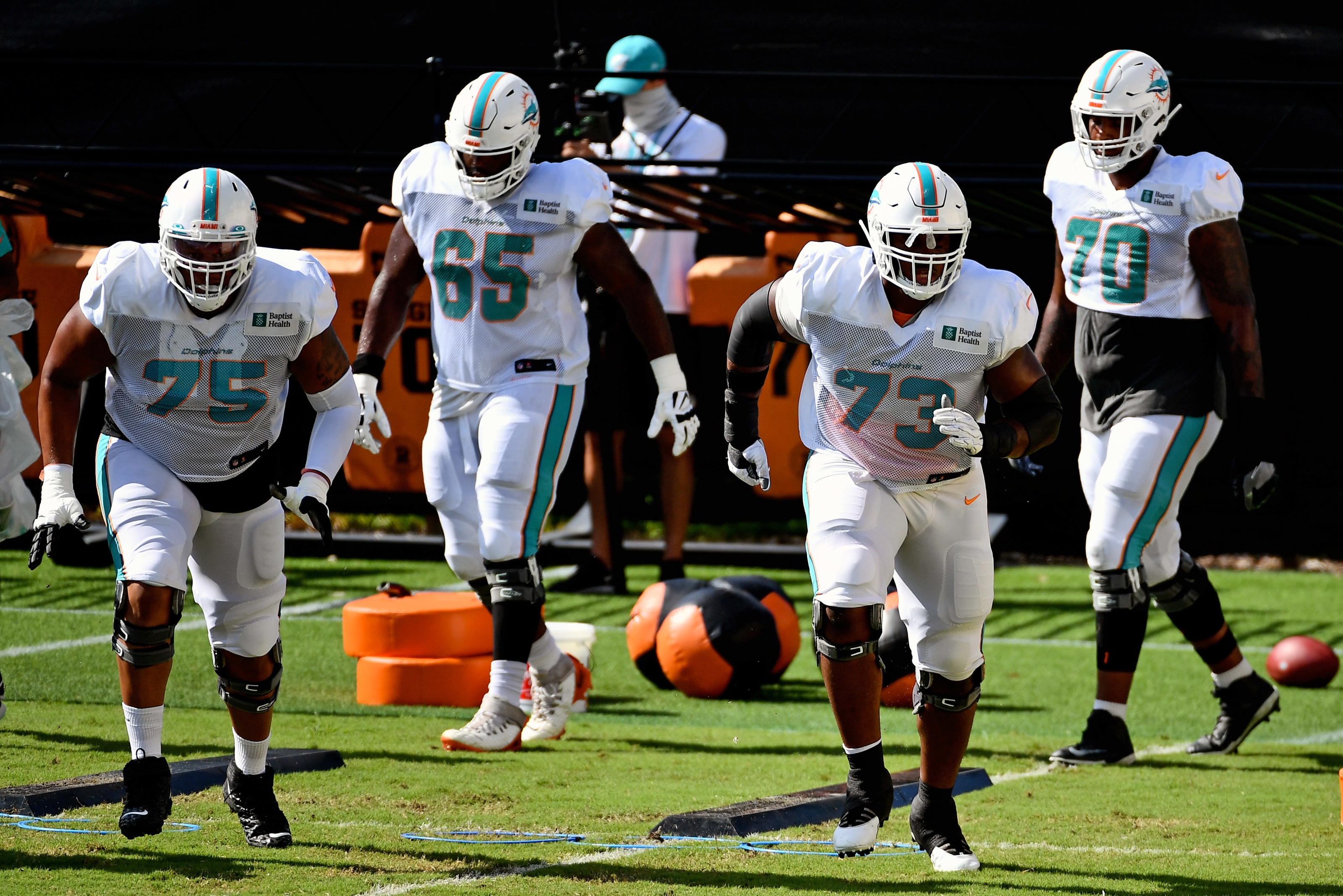 Miami Dolphins: 3 players that could be cut now that Fluker is on the roster