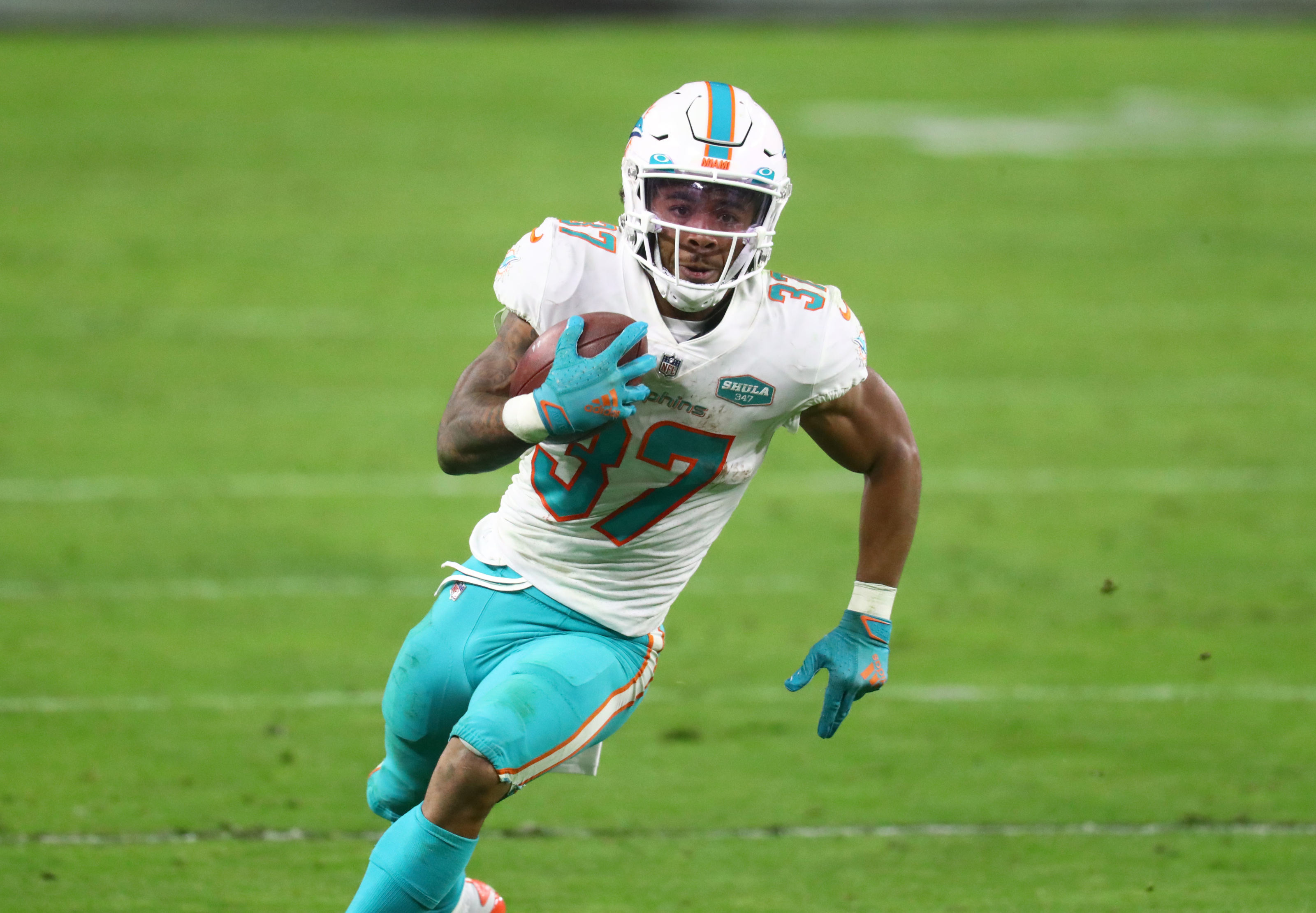 Miami Dolphins running back Myles Gaskin should not be ranked 32